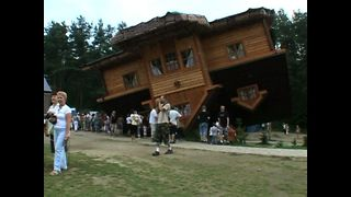 House Built Upside Down Attracts Thousands Of Tourists Every Year - Video
