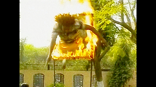 Bizarre Indian Stuntmen - Video