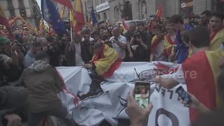 Thousands protest against Catalan independence in Barcelona - Video