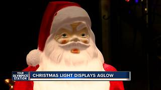 Christmas light displays aglow across southeast Wisconsin