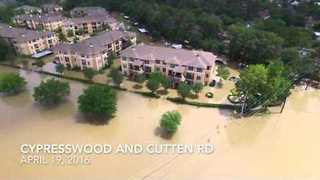 Deadly Floods Sweep Through Houston Area - Video