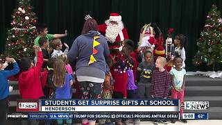 Santa visits Robert Taylor Elementary School - Video