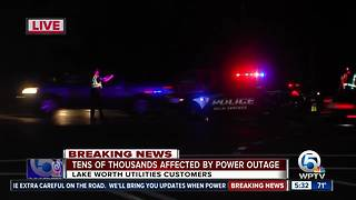 Traffic lights out in Lake Worth after power outages - Video