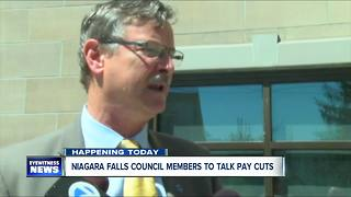 Niagara Falls considers cutting mayor, council salaries - Video