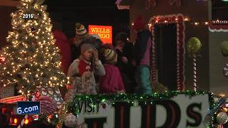downtown appleton parade today - Video