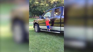 Adorable Tot Has A New Way Of Opening The Door - Video