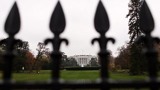 Secret Service Responds To Gunshot Near White House - Video