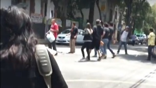 People Flee Shaking Restaurant During Mexico Earthquake - Video