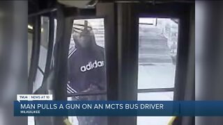 Milwaukee police seek suspect who pointed a gun at MCTS bus driver