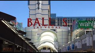Bally's Las Vegas sign is missing the 'Y' - Video