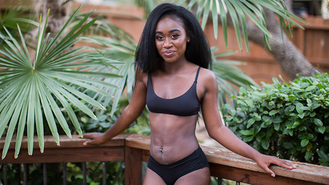 Model Mom Embraces Stretch Marks To Inspire Others | SHAKE MY BEAUTY