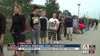 People lined up outside Arrowhead for U2 - Video