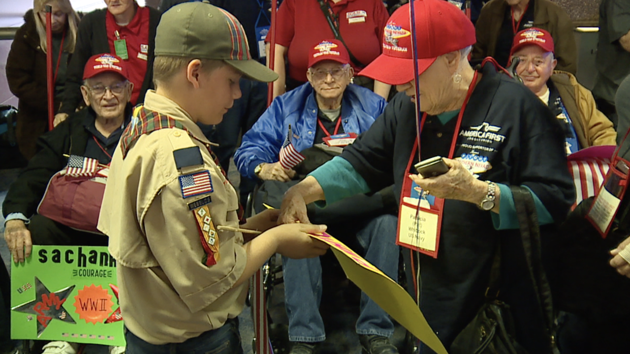 Las Vegas valley veterans welcomed home after Honor Flight to DC