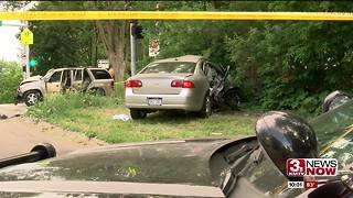 Two unrestrained children injured in Omaha crash - Video