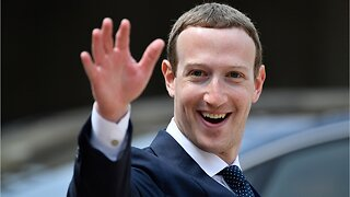 Facebook shareholders vote to oust Zuckerberg as chairman
