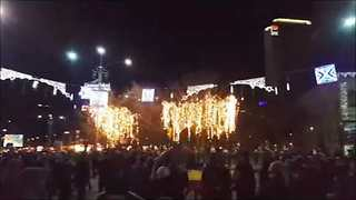 Thousands of Romanians Protest Against Government Reforms - Video