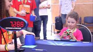 Romanian Girl Solves Rubik's Cube Challenge in 41 Seconds - Video