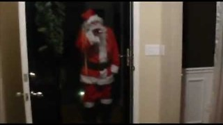 The Unexpected Visit Of Santa Claus Sends Kids To Tears - Video