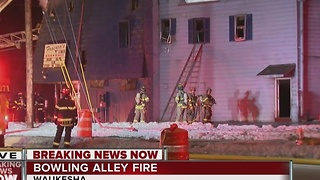 Fire destroys popular Waukesha bowling alley - Video