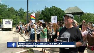 Anti-white supremacist rally held in downtown Milwaukee - Video