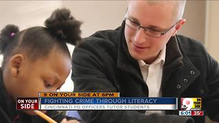 Police officer starts Right To Read tutoring program - Video