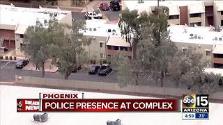 Police presence at complex in Phoenix - Video