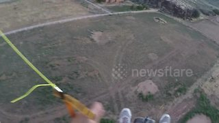 Amateur paramotor pilot in terrifying crash - Video