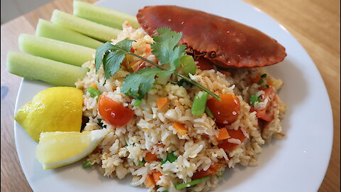 How to make crab fried rice (Khao Pad Boo)