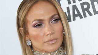 Jennifer Lopez's Blonde Bob