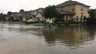 Houston Resident Opts for Kayak After Major Storms - Video