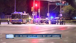 Milwaukee alderman calls for red light cameras - Video