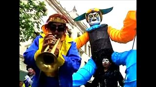 Peruvian Clown Parade - Video