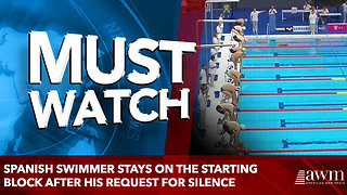 Spanish swimmer stays on the starting block after his request for silence - Video