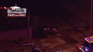 Car crashes into wall near Russell, Durango - Video