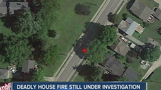Deadly house fire in Muncie - Video