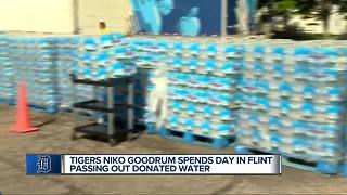 Tigers Goodrum helps Flint with water donation - Video