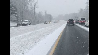 Snow Congests Roads in Virginia's Fairfax County - Video
