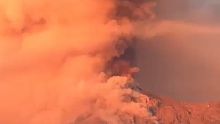 Guatemala's Volcan de Fuego Erupts, Spewing Clouds of Red Ash Into Sky - Video