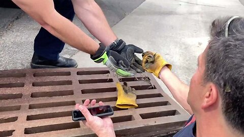 Incredible Moment Firefighter Uses Youtube Video To Rescue Ducklings