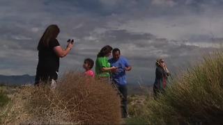 Las Vegas residents seeking solar eclipse view drive to Primm and Jean - Video