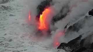 Timelapse Footage Shows Lava Flow at Kilauea Volcano - Video