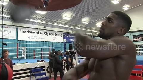 Anthony Joshua in relaxed mood despite late opponent change