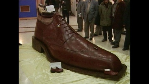Massive 10-Foot Shoe