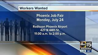 Hundreds of jobs up for grabs at Phoenix career fair - Video