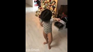 Kid Does Michael Jackson Dance - Video