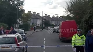 Armed police operation in Sunbury-on-Thames, Surrey - Video