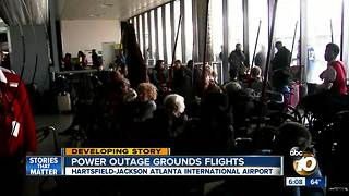 Power outage grounds flights at Atlanta airport - Video