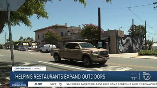 Mayor signs order to make expanding outdoor dining easier
