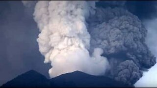 Incredible timelapse video shows ash being expelled from the Agung volcano.