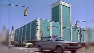1983: Downtown Indianapolis Sears Announces Closure - Video